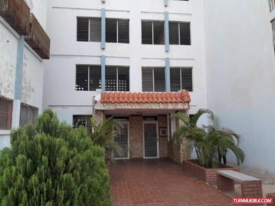Apartamento Amoblado En El Pinar Bg
