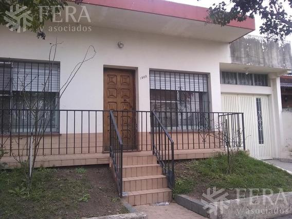 Venta De Casa Con Cochera Cubierta En Quilmes Oeste (25867)