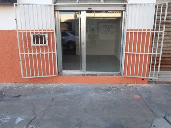 Alquilo Local En La Barraca /04124394853