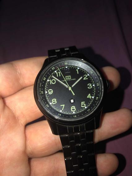 Relógio Tommy Hilfiger Com Marcas De Uso Preço Negociável
