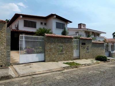 Casa En Venta En El Castaño.. 16-2614-.. Jb