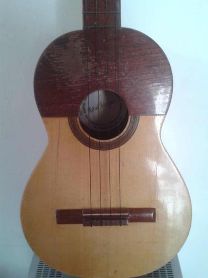 Cuatro Venezolano Instrumento Musical