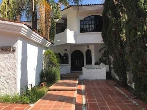 Casa En Renta En Bugambilias.