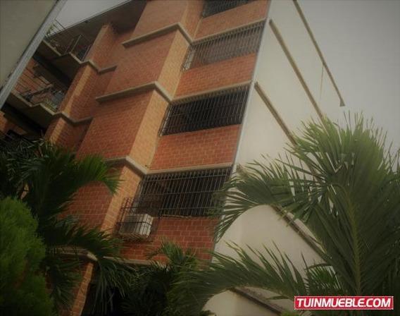 Gina B. Vende Apartamento En Camino Real La Moncloa 19-16653