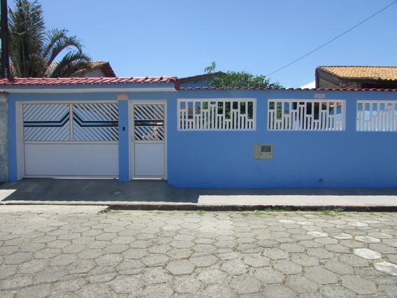 630-casa Com 3 Dormitórios, 2 Banheiros, 2 Vagas.