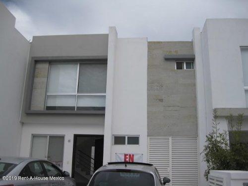 Casa En Venta En El Refugio, Queretaro, Rah-mx-19-2096