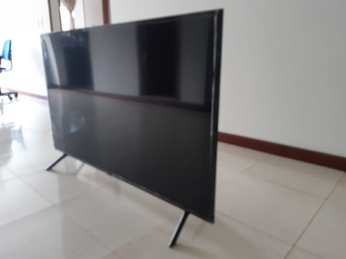 Imagen 1 de 4 de Televisor Samsung Uhd Smart Tv 7 Series Ru7100 50