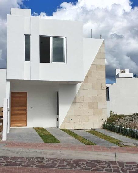 Casa Con Recámara Planta Baja En Pedregal De Schoenstatt