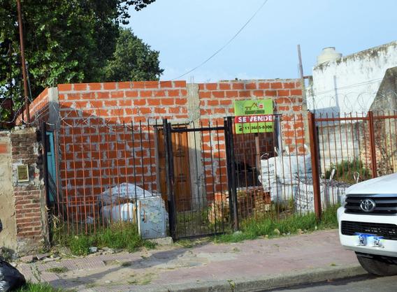Casa En Construccion Con Amplio Terreno De 260 Ms2 Centro