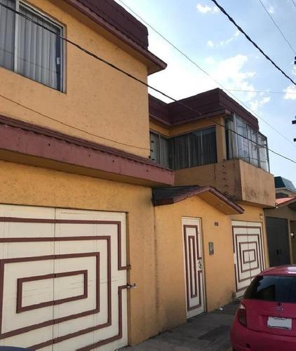 Casa Sola En Venta Para Remodelar En Valle Don Camilo, Toluca Estado De México
