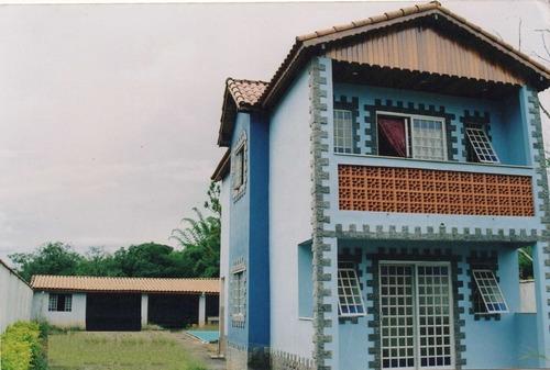 Chalé No Sul De Minas , Cidade De Caxambu , Lote Com 431 M², Área Construída 94 M², Com Piscina. - 440