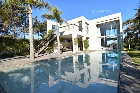 Casa En Venta Laguna Blanca Barrio Privado - La Barra Punta Del Este - Ref: 25413