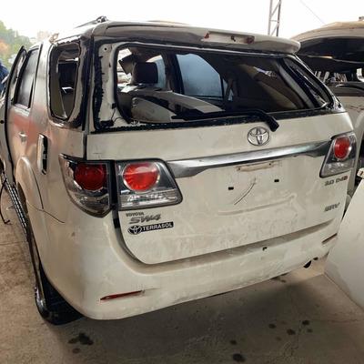 Sucata De Toyota Sw4 Hilux 3.0 Automática Pra Retirar Peças