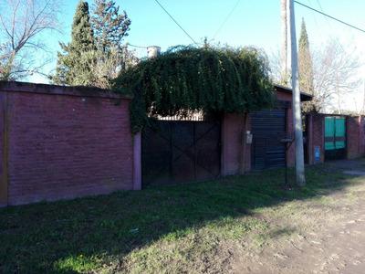 Casa Multifamiliar Con Quincho Y Pileta