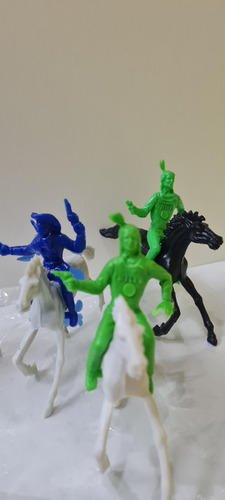 Set De Caciques Con Cowboys E Indios A Caballos X 4 Plastico