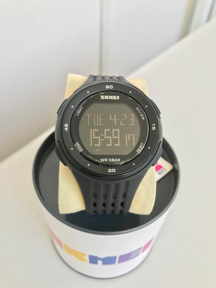 Relógio Tuguir Preto Digital Pulseira Pontilhada Ref: 1219