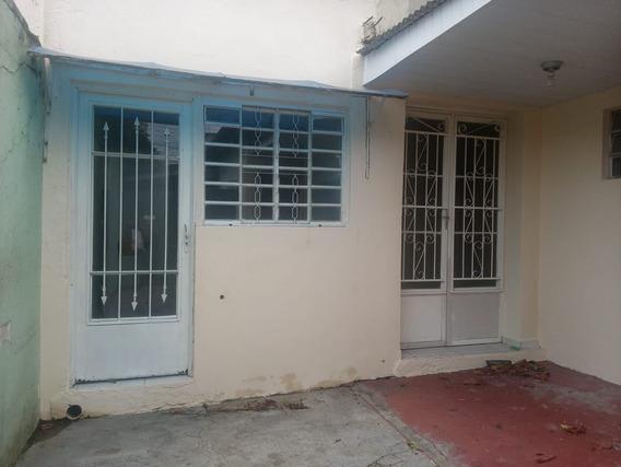 Casas - 3 Dormitórios - 1059