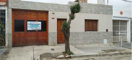 Imagen 1 de 15 de Oportunidad Casa En Barrio Altamira  2 Dormitorios - Recibo Vehículo
