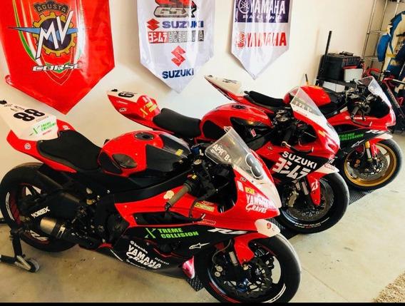 Yamaha Y Suzuki Para Carreras (circuito)