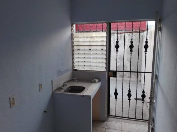 Casa En Renta Aguila, Paraíso Salagua