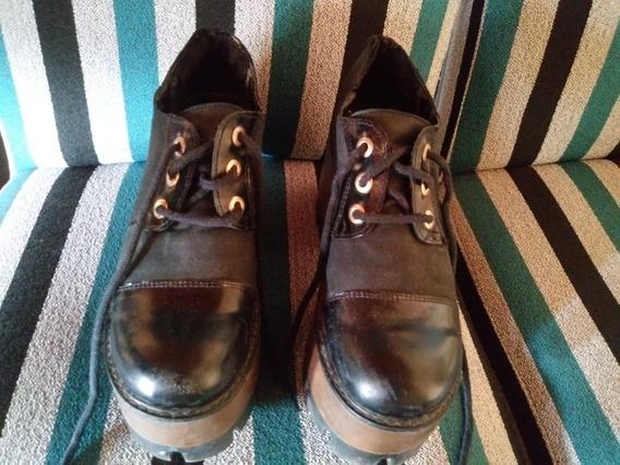 Zapatos Negros De Cuero. Lady Stork