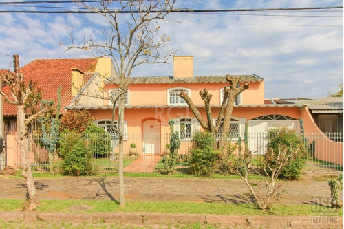 Casa Em Ipanema Com 3 Dormitórios - Lu431554