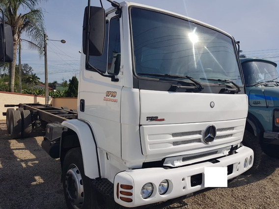 Mercedes Benz 1718 2009 6x2 Chassis