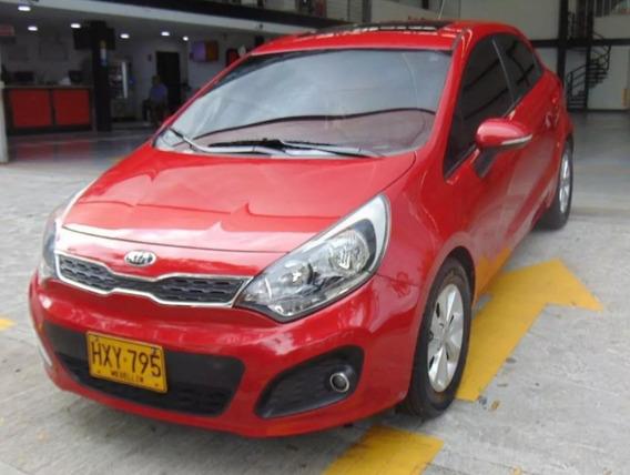 Kia Rio Ub Ex Motor 1.4 2014 Rojo 5 Puertas