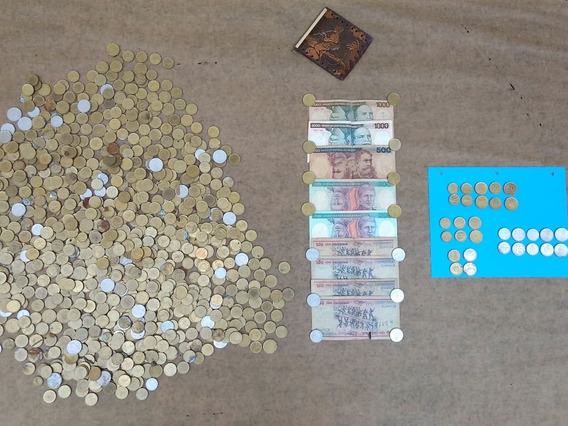 Monedas Viejas (australes,pesos Argentinos Etc) Liquido!!