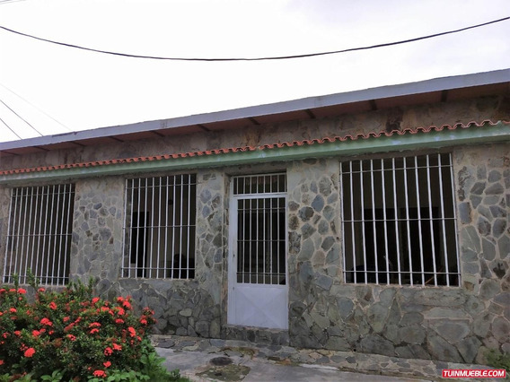 Casa En Venta Paraparal, Los Guayos Carabobo Rc 19-11955