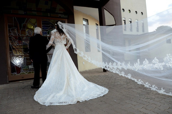 Belíssimo Vestido De Noiva - Estilista / Alta Costura