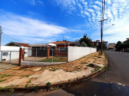 Aluguel De Casas / Padrão  Na Cidade De São Carlos 29171