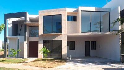 Casa En Venta Punta Lago, Con 4 Habitaciones,construcción 381m2, Terreno 525m2 De Superficie