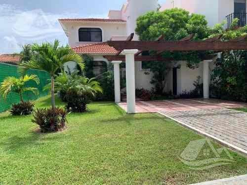 Casa En Renta En Isla Dorada Cancún/zona Hotelera