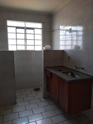 Apartamento Com 2 Dormitórios Para Alugar, 65 M² Por R$ 600 - Jardim Cavallari - Marília/sp - Ap0379