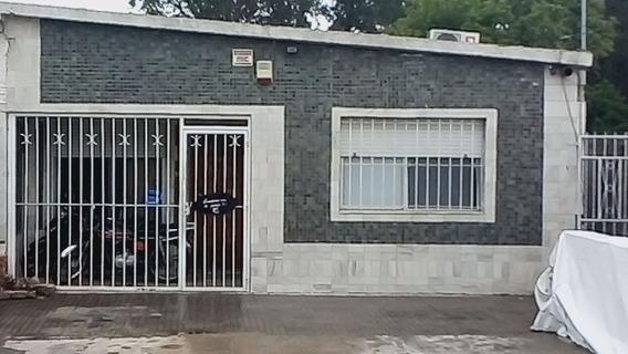 Vendo Casa De 4 Dormitorios Y Fondo Con Barbacoa