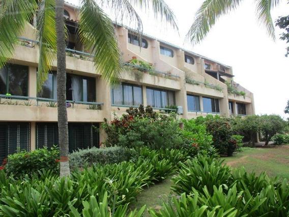 Apartamento A Orilla De La Playa El Cardón. Flex: 20-14413