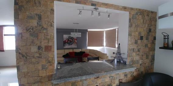 Luis Infante Mls# 20-2893 Apartamento Plaza Republica