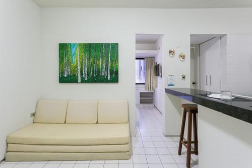 Imagem 1 de 14 de Apartamento 205, 5º Pav., Mobiliado Em Bem Pertinho Da Praia