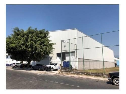 Rento Bodega Industrial Civac -morelos- Calle 13