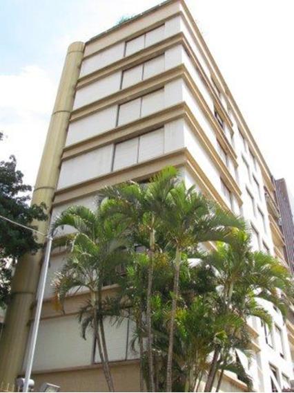 Apartamento Em Moinhos De Vento Com 3 Dormitórios - Rg3765