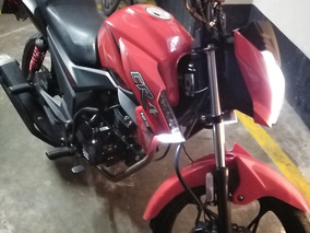 Moto Cr4
