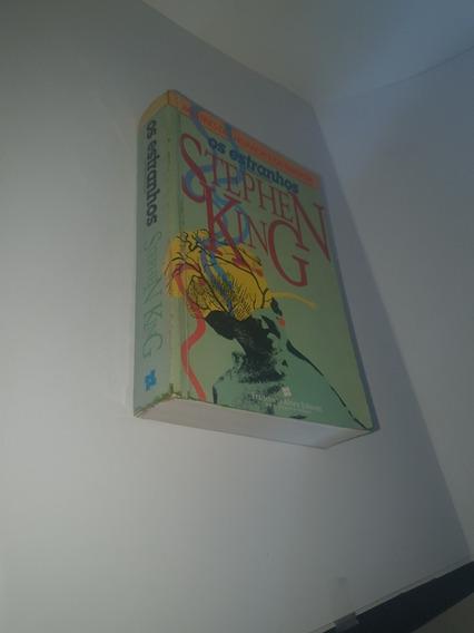 Os Estranhos - Stephen King - Mestre Do Horror E Da Fantasia
