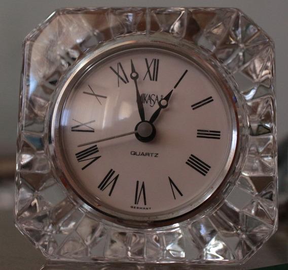 Reloj Alemán Con Base De Cristal