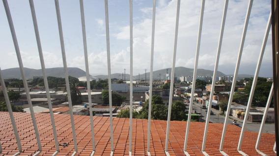 Apartamento En Venta Barquisimeto Rah: 19-13036