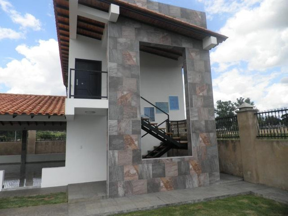 Venta De Parcela Villas Los Aguacates 19-9769 Mme
