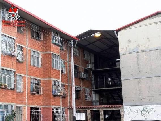 Apartamento En Venta Urb Madre Maria- Los Samanes Zp20-4344
