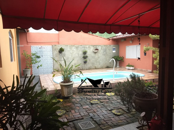 Casa A Venda No Bairro Itaguaçu Em Aparecida - Sp. - Cs021-1