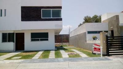 Se Vende Preciosa Casa En San Jerónimo, 3 Recamaras, Estudio, 3 Baños, Alberca..