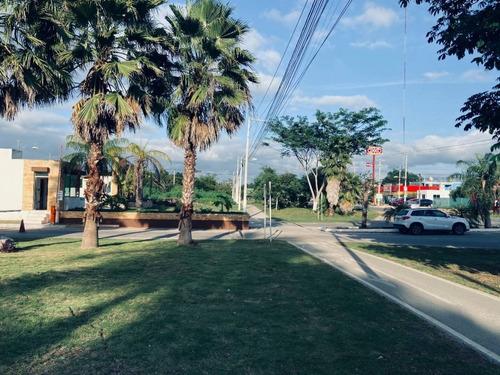 Imagen 1 de 10 de Amplio Terreno En Privada Residencial Al Norte De Mérida. Construye Ahora.